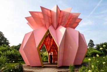heather-ivan-morison-look-look-look-berrington-hall-herefordshire-england-designboom-02