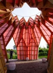 heather-ivan-morison-look-look-look-berrington-hall-herefordshire-england-designboom-05