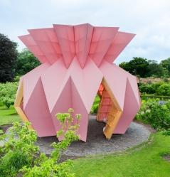 heather-ivan-morison-look-look-look-berrington-hall-herefordshire-england-designboom-06