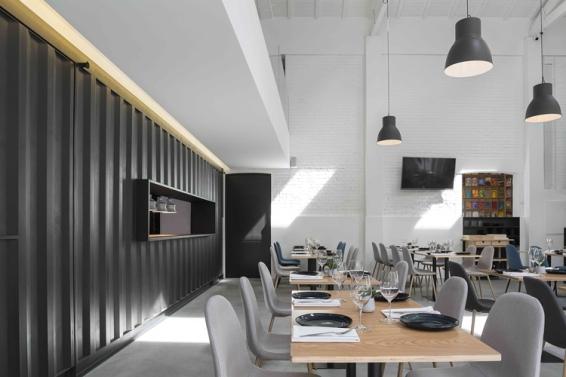 theatro-bookstore-restaurant-portugal-10