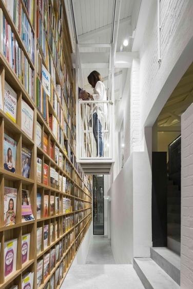 theatro-bookstore-restaurant-portugal-11