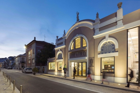 theatro-bookstore-restaurant-portugal-13