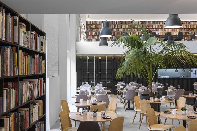 theatro-bookstore-restaurant-portugal-14