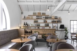 theatro-bookstore-restaurant-portugal-2